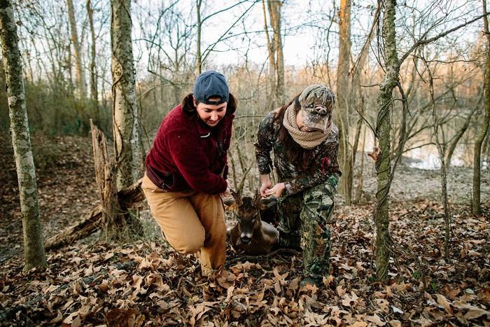 women_hunting_dragging